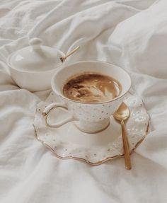 """coffee or tea? 𝖋𝖔𝖑𝖑𝖔𝖜 𝖋𝖔𝖗 𝖒𝖔𝖗𝖊! °""""˜`""""°º× dm for credit / removal °""""`˜""""°º× . Beige Aesthetic, Aesthetic Food, Aesthetic Coffee, Coffee Break, Coffee Time, Coffee Mornings, Morning Coffee, Think Food, Vintage Soft"""