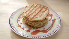 Crêpes à l'avoine | Cuisine futée, parents pressés Healthy Deserts, Healthy Snacks For Kids, Quebec, Great Recipes, Vegan Recipes, Brunch, Crepes, Breakfast Recipes, Pancakes