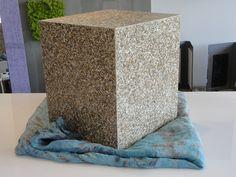 Pouf in Tetra Pack riciclato. Per info e foto http://www.facebook.com/materiaapplicata #materiaapplicata #materialiecologici #materialiriciclati