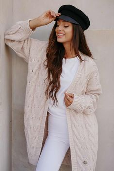 Cardigan dama roz casual supradimenionat Daily Fashion, White Jeans, Winter Outfits, Cardigan, Pants, Clothes, Tricot, Trouser Pants, Outfits