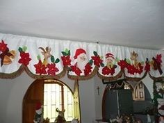 juegos de baño navideños - Google Search Christmas Crafts, Christmas Decorations, Xmas, Christmas Tree, Holiday Decor, Sewing Hacks, Sewing Crafts, Decoupage, Curtains