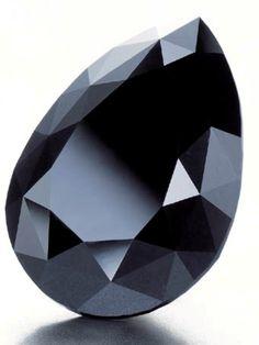 Amsterdam Diamond Ct black diamond, via Joel Woodin Crystals Minerals, Rocks And Minerals, Crystals And Gemstones, Stones And Crystals, Gem Stones, Gem Diamonds, Colored Diamonds, Black Diamonds, Black Gems