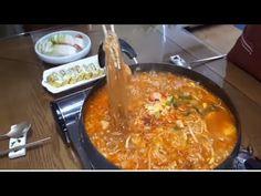 ☆부대찌개ㅡ놀랍게도 OO을 넣으면 아주 시원하고 맛깔스러운 부대찌개를 드실 수 있답니다☆★Sausage Stew ★