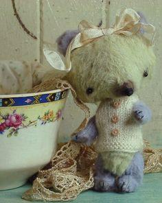 Tiny Mohair Bear  Margaret Bleu by Sweet Souls door SweetSouls
