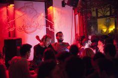 RBMA Nights'ın İzmir ayağında, 14 Şubat'ta Kaan Düzarat ve Tufan Demir performans sergilediler.