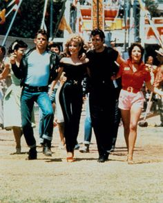 Find images and videos about movie, grease and John Travolta on We Heart It - the app to get lost in what you love. Grease 1978, Grease Movie, Danny Grease, Musical Grease, Marlon Brando, Kenickie Grease, Susan Sarandon, See Movie, Retro Vintage