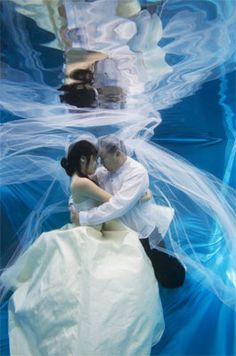 Google Image Result for http://www.bridalguide.com/sites/default/files/blog-images/bridal-buzz/picture-this/picturethis2.jpg