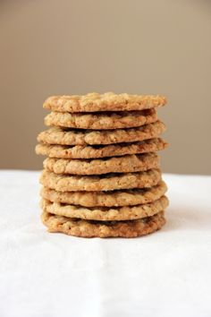 Extra Thin and Crispy Oatmeal Cookies | Feastie - crispy cookies are my favorite!