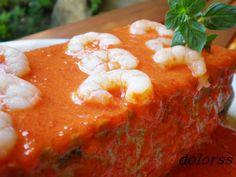 Blog de cuina de la dolorss: Pastel de berenjena y gambas con salsa de pimientos (microondas)