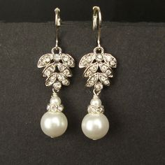 Crystal  Pearl Leaf Bridal Earrings, Rhinestone Leaves Wedding Earrings, Vintage Style Dangly Pearl Drop Earrings