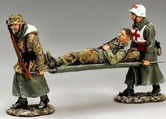 World War II German Winter BBG019 Medic set - Made by King and Country Military Miniatures and Models. Factory made, hand assembled, painted and boxed in a padded decorative box. Excellent gift for the enthusiast.