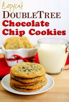 Copycat DoubleTree Chocolate Chip Cookies