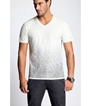 Shop online for wide range of Clothing Brands in India at Majorbrands.in. For more details visit here: http://www.majorbrands.in/brand/cl_2-c_4058/men/apparel.html or call on 1800-102-2285 or email us at estore@majorbrands.in.