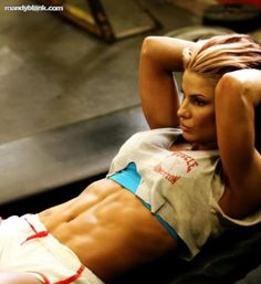 This chicks abs are amazing