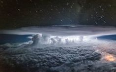 Pilot takes wonderful photos from cockpit that mesmerize viewers at one glance. Santiago Borja is a pilot and photographer based in Quito. Epic Photos, Cool Photos, Amazing Photos, Cheap Air Tickets, Airplane Pilot, Last Minute Travel, Thunder And Lightning, Natural Phenomena, Travel News