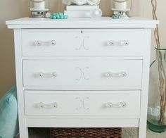 Painted+Dresser+with+Chalky+Finish+Paint
