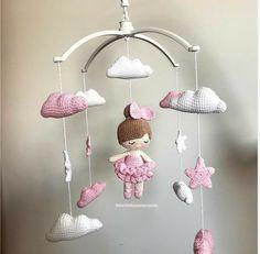 Crochet Baby Mobiles, Crochet Mobile, Beginner Crochet Projects, Crochet For Beginners, Small Crochet Gifts, Crochet Bunny Pattern, Nursery Accessories, Bunny Toys, Newborn Crochet