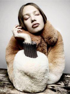 "Kid Plotnikova in ""Deep Breeding"" for Garage Magazine, Fall/Winter 2014 Photographer: Platon Fashion Poses, Fur Fashion, Look Fashion, Wild Fashion, Fashion Textiles, Fashion Editorials, Fashion Art, Winter Fashion, Chinchilla"