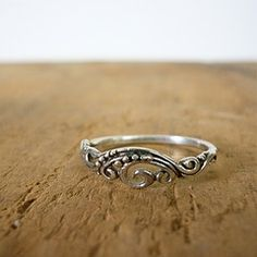 art deco filligree wedding band: I could go for one of these. Beautiful Rings, Pretty Rings, Unique Rings, Bohemian Jewelry, Bohemian Rings, Jewelry Gifts, Jewelry Box, Jewelery, Vintage Bohemian