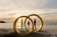 Wedding Couple Poses Photography, Wedding Reception Photography, Photography Poses, Wedding Couples, Wedding Day, Outdoor Shoot, Photo Corners, Pre Wedding Photoshoot, Creative Pictures