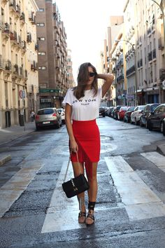 Cool adorable street style looks from 30 affordable street style looks coll Summer Outfits Women, Hot Outfits, Stylish Outfits, Fashion Outfits, Fashion Clothes, Red Skirt Outfits, Fashion Accessories, Casual Clothes, Casual Fashion Trends