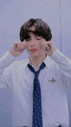 K Pop, Foto V Bts, Kai, Cosmic Boy, Fandom, Asian Boys, Pop Group, Photo Cards, Cute Wallpapers