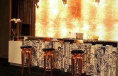 Top 7 Counter Stools for the Perfect Luxurious Bar Design | counter stool, bar design, hospitality design #counterstool #hospitalitydesign #bardesign Read more: http://www.designcontract.eu/hospitality/counter-stools-perfect-luxurious-bar-design/