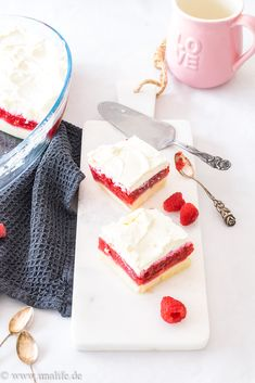 fast cake with raspberries discovered by Ʈђἰʂ Iᵴɲ'ʈ ᙢᶓ Summer Cakes, Banana Cream, Raspberry, Food And Drink, Easy, Recipes, Cream Pies, Bullet Journal, Mascarpone