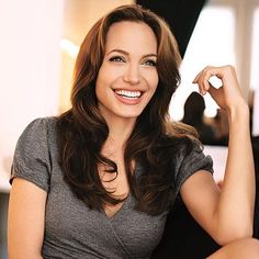 Angelina Jolie Hairstyles - Haircuts And Hairstyles