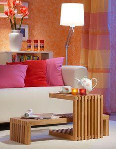 Multifunktionsmöbel sind cool: Unser Wohnzimmertisch ist gleichzeitig eine Sitzbank und ein Hocker. In Kombination ergeben sie ein tolles Gebilde.