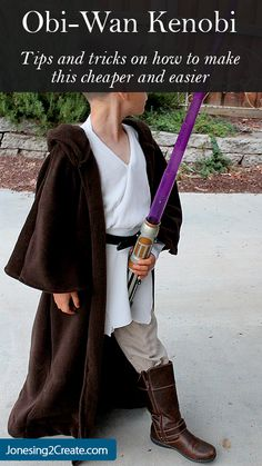 Create your own Padawan costume to complete the perfect Star Wars birthday party - Jedi Costume - Ideas of Jedi Costume - Create your own Padawan costume to complete the perfect Star Wars birthday party Boy Costumes, Halloween Costumes For Kids, Cosplay Costumes, Diy Jedi Costume, Kids Star Wars Costumes, Costume Ideas, Children Costumes, Costume Makeup, Halloween Halloween
