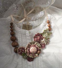 Колье Мареновая Роза - текстильное украшение,текстильные бусы,текстильные цветы