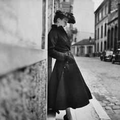 Photograph by Gordon Parks. Paris, August 1951.