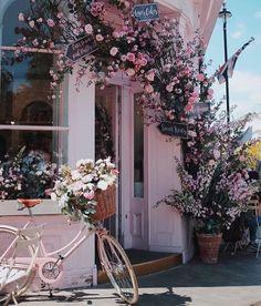 Me gusta, 67 comentarios – Carrie Santana da Silva (Carrie Santana da Silv… Peggy Porschen Cakes, Beautiful Flowers, Beautiful Places, Beautiful Wall, Tout Rose, Deco Floral, Vintage Photography, Pink Photography, Photography Accessories
