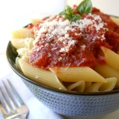 Basic Tomato Sauce - every home cook needs this authentic Italian recipe in their repertoire!