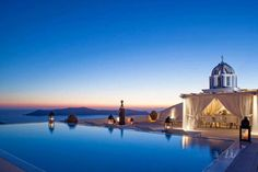Princess Luxury Hotel – The Deluxe Travel Experience Santorini, Amazing Swimming Pools, Honeymoon Destinations, Luxury Life, Beautiful Beaches, Taj Mahal, Around The Worlds, Mansions, House Styles