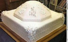Prince Charles and Camilla Parker-Bowles wedding cake 2005. #Celebritystyleweddings.com @Celebstylewed