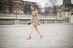 Chiara Ferragni wears a Valentino total look from the Autumn 15 collection to the Valentino Autumn/Winter 15-16 RTW show. Pink strappy heels. Luxuryshoeclub.com
