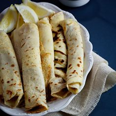 Pancakes with Cinnamon Sugar. A South-African favourite Pancakes (crepes) with cinnamon-sugar. The ultimate comfort food. Pancake Roll, Crepe Suzette, Strawberry Crepes, Chocolate Dipping Sauce, Pancakes, Good Food, Yummy Food, South African Recipes, Galette