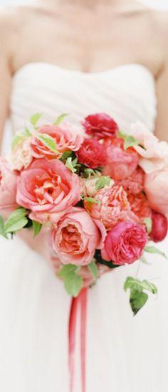 Wedding bouquet idea; Featured Photographer: O'Malley Photographers