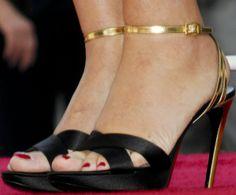 Kate Winslet Accepts Hollywood Walk of Fame Star in Roger Vivier