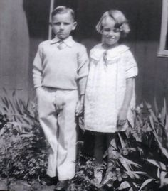 Norma Jeane (Marilyn Monroe) with Lester Bolender, Joven Marilyn Monroe, Marilyn Monroe Fotos, Young Marilyn Monroe, Pin Up, Milton Greene, Norma Jeane, Forever, Vintage Hollywood, American Actress