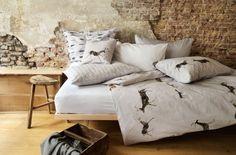 Trabajamos con la marca suiza de ropa para cama como únicos distribuidores exclusivos en toda España. Y lo hacemos porque en Christian Fischbacher cuidan cada detalle, utilizan materiales de primera calidad y están en continua evolución. Sus colecciones de ropa de cama son exquisitas. #SBDescanso #ChristianFischbacher #RopaDeCama #Luxury #Bedroom