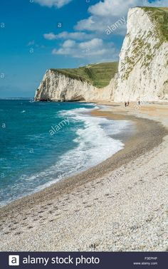 Download this stock image: View from beach at Durdle Door, Lulworth, Dorset, UK. Taken on 28th September 2015. - F3EPHP from Alamy's library of millions of high resolution stock photos, illustrations and vectors.