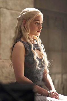 Khaleesi's Best Hair Moments on 'Game of Thrones'  - ELLE.com