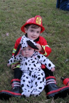 brothers halloween costumes fireman and dalmation maybe jax and wy this year i cant decide if they should both be firemen and i be the dalmatian or - Halloween Costume For Brothers