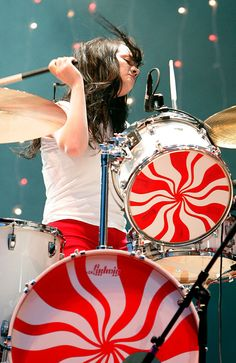 Meg White of The White Stripes by Jean Baptiste Lacroix/WireImage Meg White, Jack White, White Girls, Girl Drummer, Female Drummer, The White Stripes, Drums Girl, Ludwig Drums, Magic Women