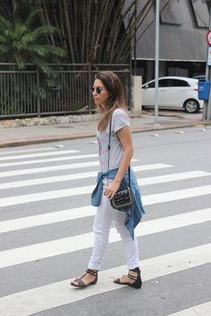 Nanda Pezzi - Tee + camisa amarrada