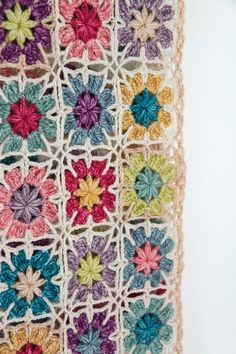 Transcendent Crochet a Solid Granny Square Ideas. Inconceivable Crochet a Solid Granny Square Ideas. Crochet Wrap Pattern, Granny Square Crochet Pattern, Crochet Flower Patterns, Basic Crochet Stitches, Crochet Squares, Crochet Basics, Crochet Granny, Crochet Blanket Patterns, Crochet Motif