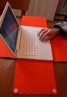 Capa para notebook de feltro!